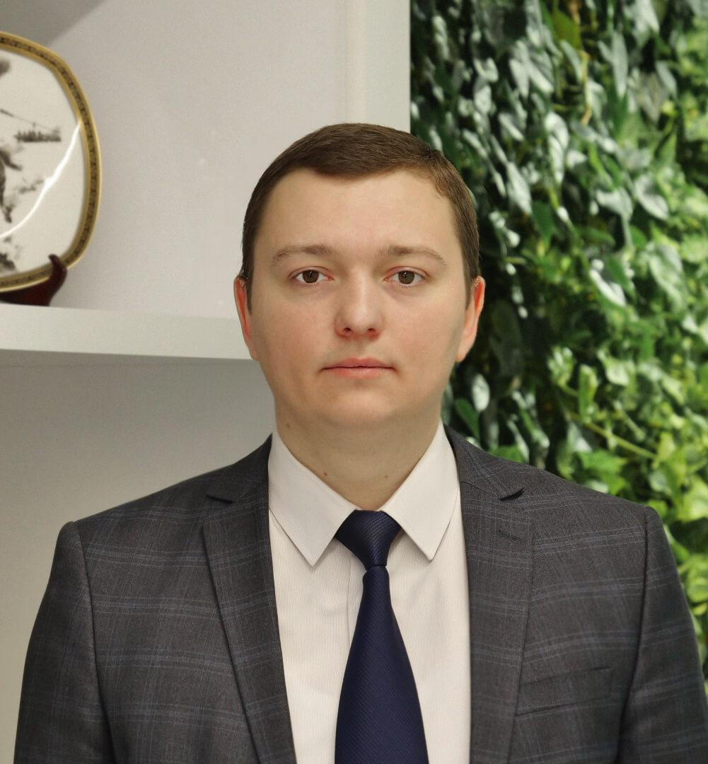 Максим Адиянов